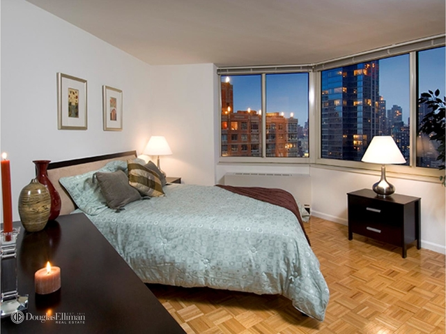 2 Bedrooms, Theater District Rental in NYC for $5,800 - Photo 2