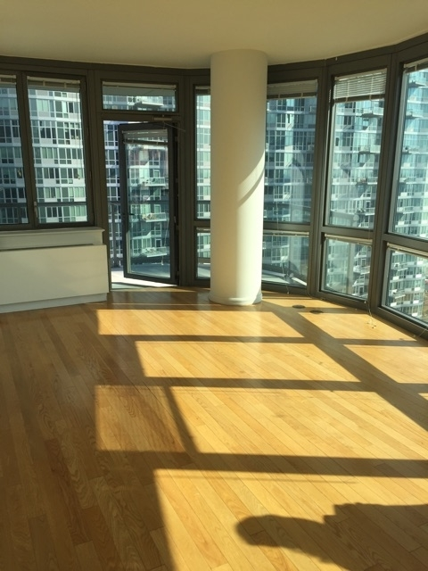 3 Bedrooms, Hunters Point Rental in NYC for $3,995 - Photo 2