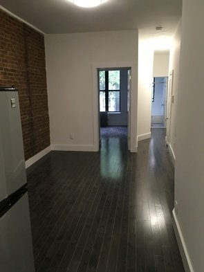 3 Bedrooms, Yorkville Rental in NYC for $3,200 - Photo 1