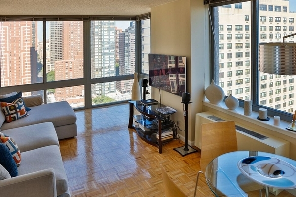 2BR at 408 East 92nd Street - Photo 17