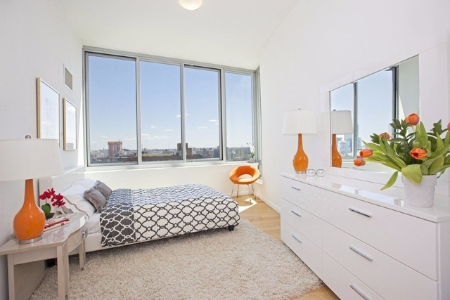 2 Bedrooms, Hunters Point Rental in NYC for $4,395 - Photo 2