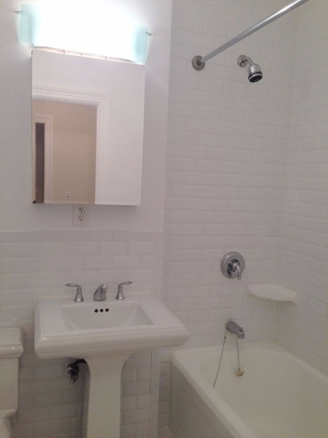 Studio, Gramercy Park Rental in NYC for $3,249 - Photo 2