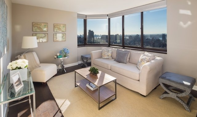 2 Bedrooms, Chelsea Rental in NYC for $6,339 - Photo 2