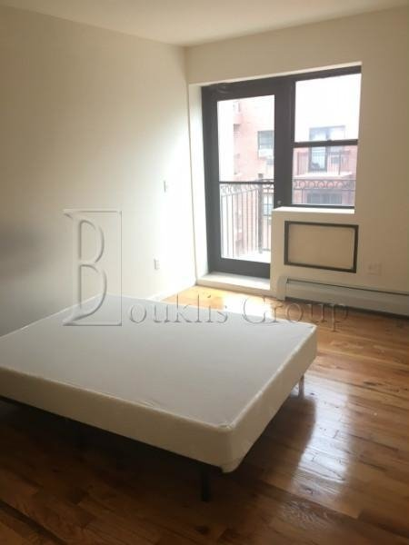 2 Bedrooms, Long Island City Rental in NYC for $2,700 - Photo 1