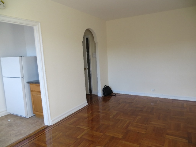 1 Bedroom, Pelham Parkway Rental in NYC for $1,325 - Photo 2