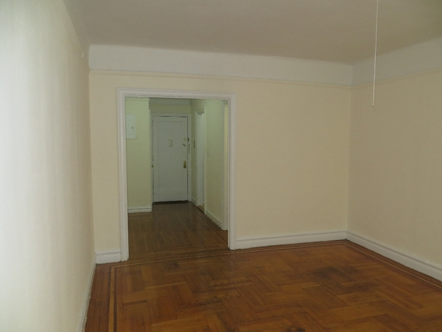 1 Bedroom, Pelham Parkway Rental in NYC for $1,425 - Photo 2