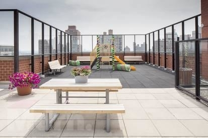 3 Bedrooms, Carnegie Hill Rental in NYC for $5,700 - Photo 1