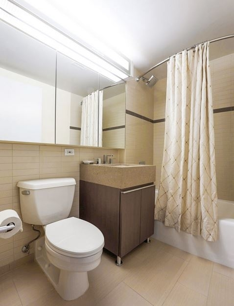 Studio, Financial District Rental in NYC for $3,800 - Photo 2