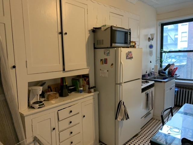 1 Bedroom, Hell's Kitchen Rental in NYC for $2,498 - Photo 2