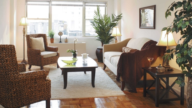 1 Bedroom, Yorkville Rental in NYC for $3,529 - Photo 2