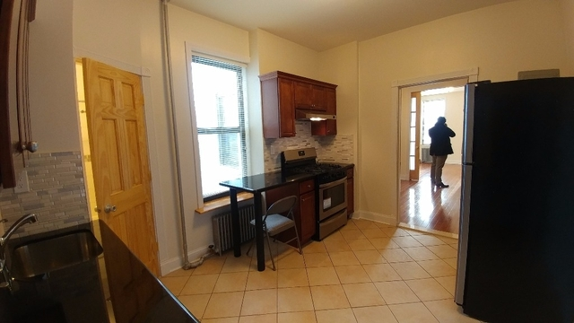3 Bedrooms, Sunset Park Rental in NYC for $2,700 - Photo 2