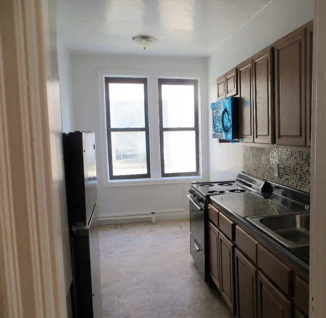1 Bedroom, Pelham Parkway Rental in NYC for $1,440 - Photo 2