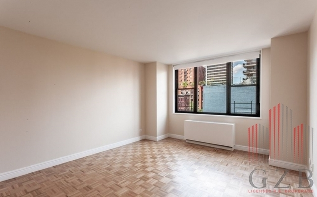 2 Bedrooms, Yorkville Rental in NYC for $5,165 - Photo 2