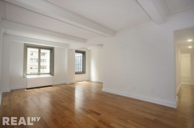 3 Bedrooms, Theater District Rental in NYC for $6,395 - Photo 1