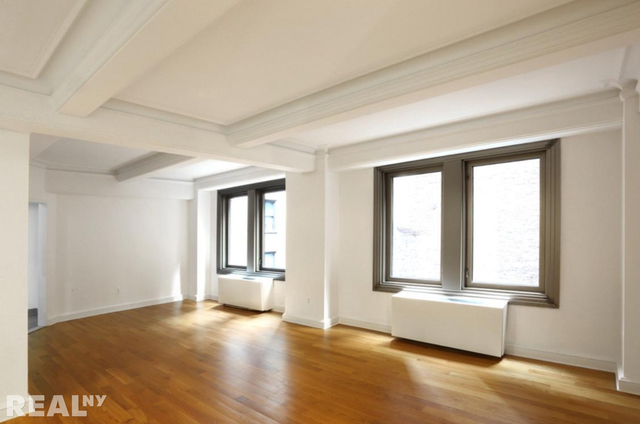 3 Bedrooms, Theater District Rental in NYC for $6,395 - Photo 2