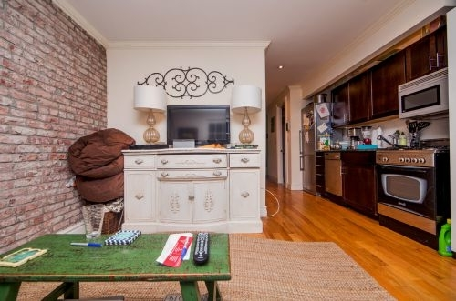 3 Bedrooms, West Village Rental in NYC for $5,866 - Photo 2