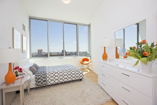 1 Bedroom, Hunters Point Rental in NYC for $2,860 - Photo 2