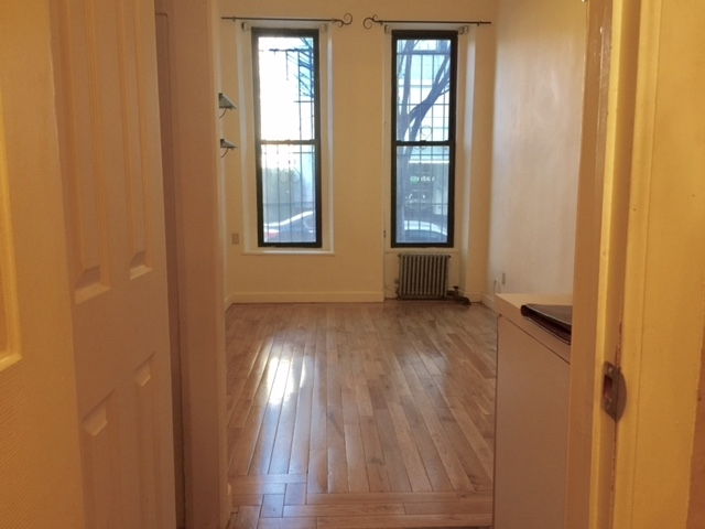 Studio at 80th off Second Ave - Photo 1