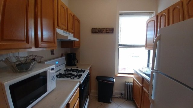 3 Bedrooms, Sunset Park Rental in NYC for $2,400 - Photo 1