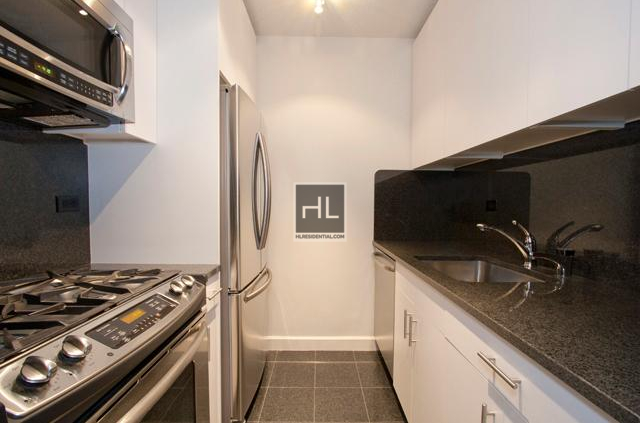 1 Bedroom, Sutton Place Rental in NYC for $3,387 - Photo 2