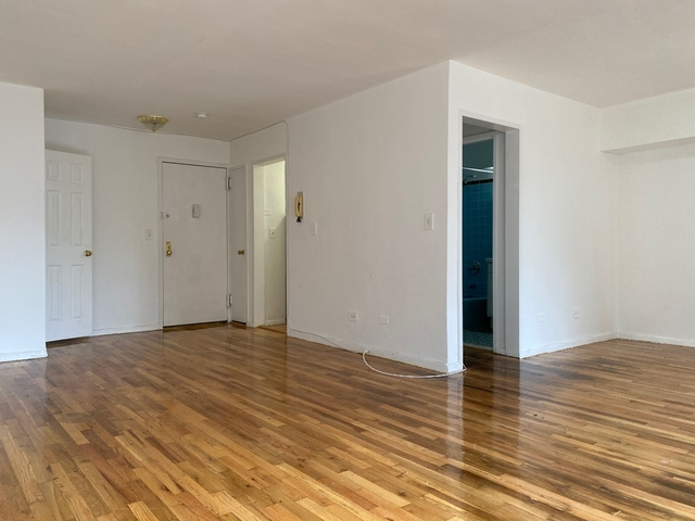 Studio, Mount Hope Rental in NYC for $1,400 - Photo 2