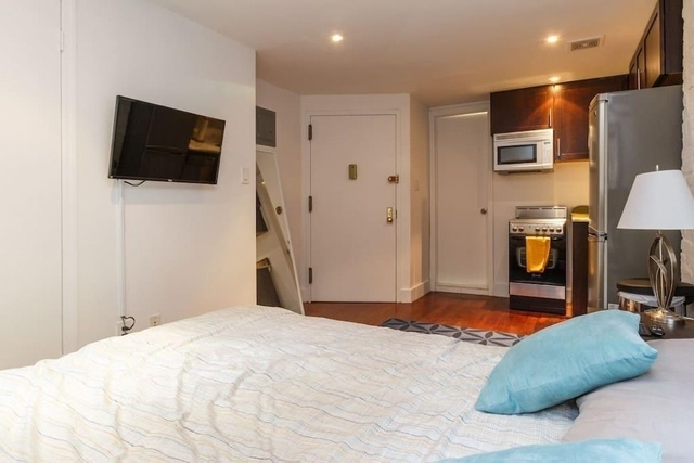 Studio, East Village Rental in NYC for $2,200 - Photo 2