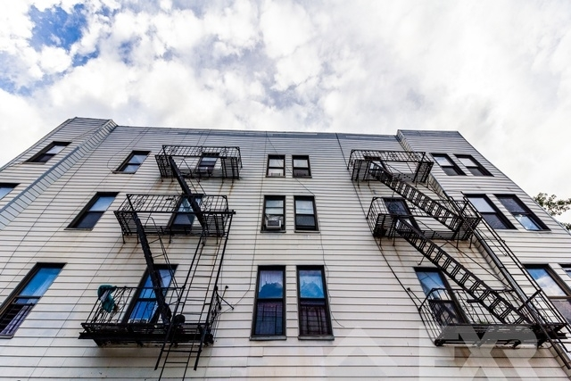 5 Bedrooms, Williamsburg Rental in NYC for $6,996 - Photo 2