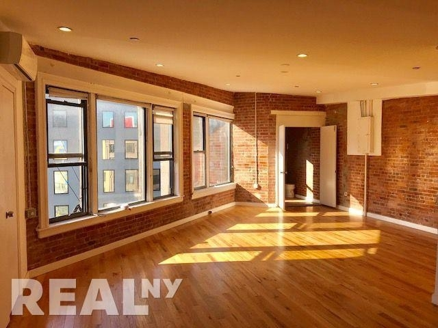 Studio, Chinatown Rental in NYC for $6,666 - Photo 2