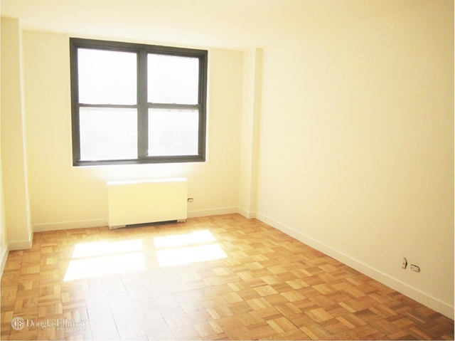 2 Bedrooms, Turtle Bay Rental in NYC for $4,675 - Photo 1
