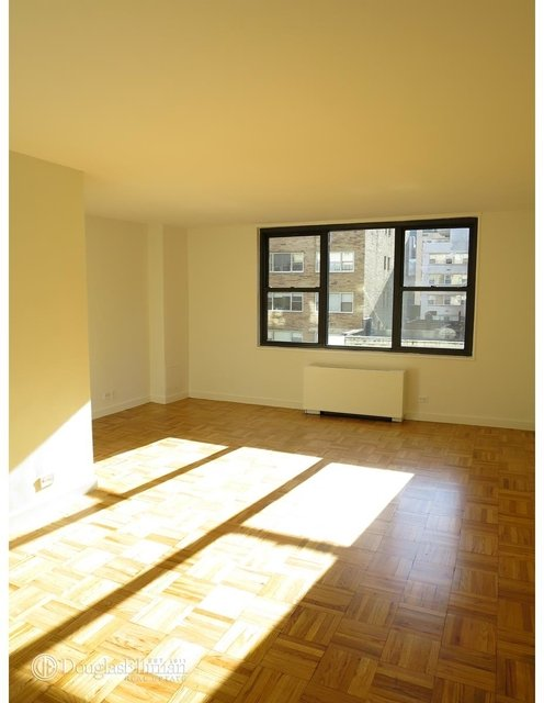 2 Bedrooms, Turtle Bay Rental in NYC for $4,675 - Photo 2