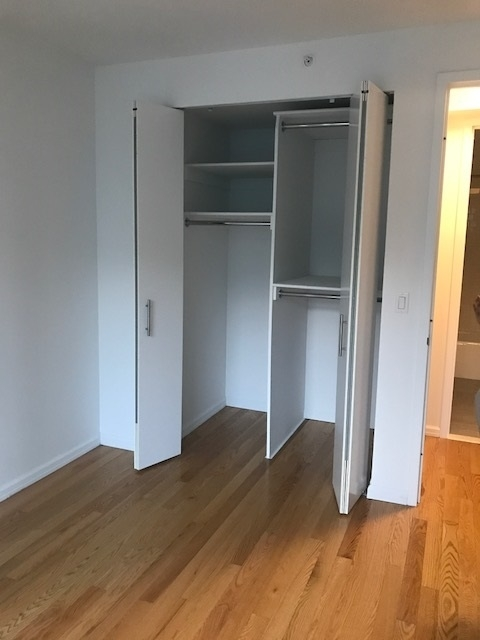 2 Bedrooms, Hunters Point Rental in NYC for $4,350 - Photo 2
