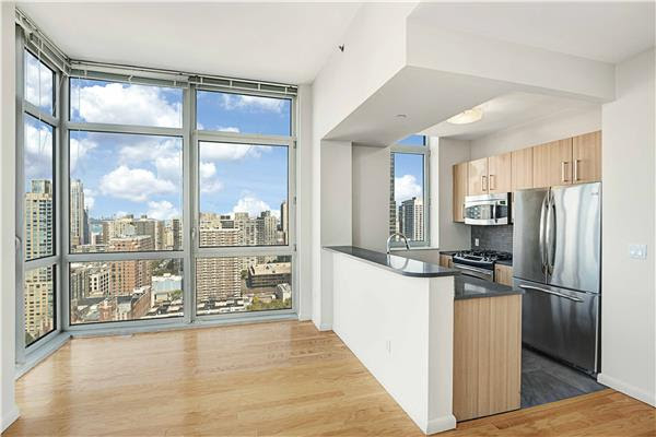 2 Bedrooms, Lincoln Square Rental in NYC for $6,120 - Photo 2