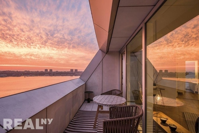 3 Bedrooms, Hell's Kitchen Rental in NYC for $10,286 - Photo 1