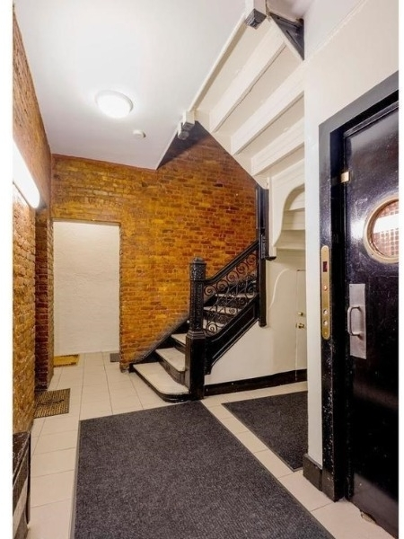 Studio, Gramercy Park Rental in NYC for $2,108 - Photo 2