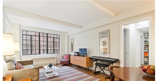 2 Bedrooms, Tudor City Rental in NYC for $2,950 - Photo 1