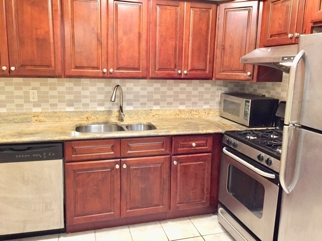 3 Bedrooms, Rego Park Rental in NYC for $3,100 - Photo 2