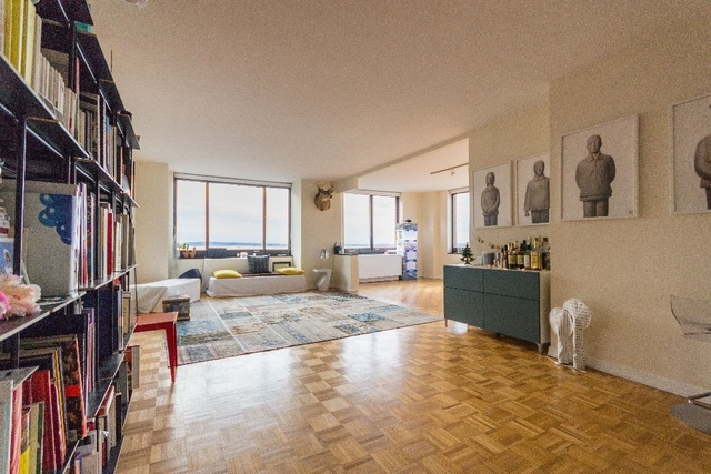 3 Bedrooms, Battery Park City Rental in NYC for $6,000 - Photo 2