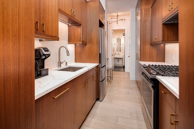 2 Bedrooms, Theater District Rental in NYC for $6,250 - Photo 2