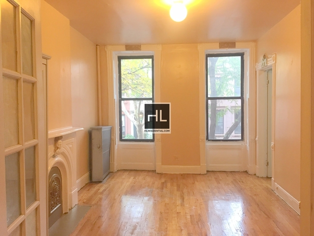 4 Bedrooms, North Slope Rental in NYC for $3,200 - Photo 2