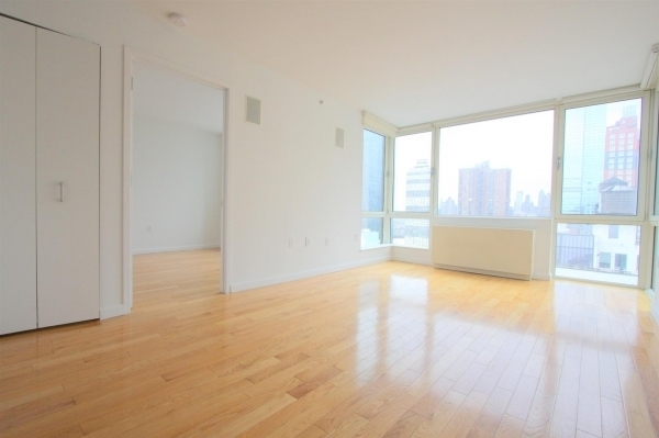 1 Bedroom, Garment District Rental in NYC for $3,499 - Photo 2