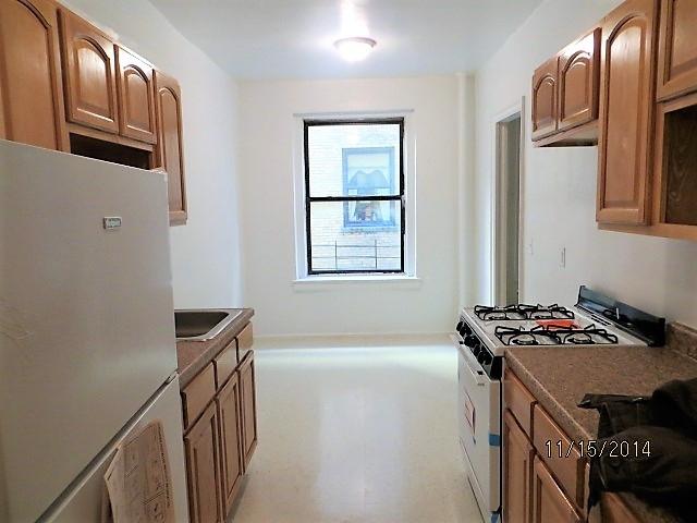 2 Bedrooms, Pelham Parkway Rental in NYC for $2,133 - Photo 2