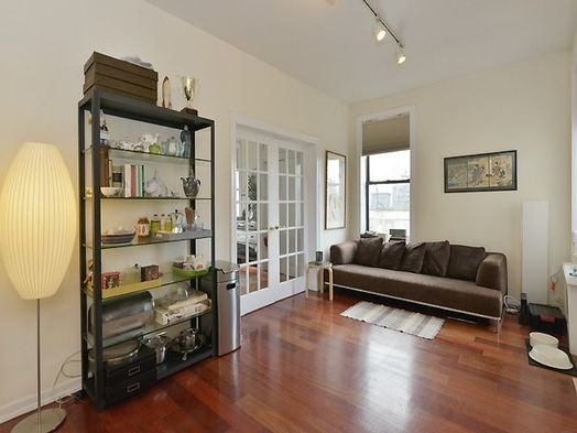 3 Bedrooms, Chelsea Rental in NYC for $5,200 - Photo 2