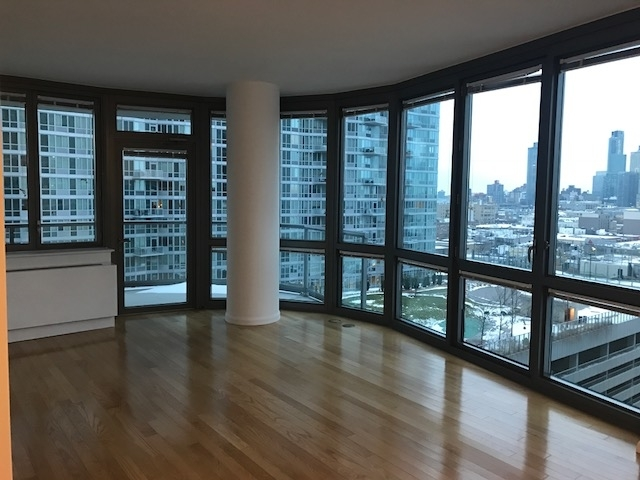 2 Bedrooms, Hunters Point Rental in NYC for $4,125 - Photo 2