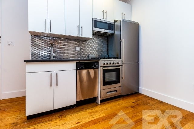3 Bedrooms, Williamsburg Rental in NYC for $3,895 - Photo 1