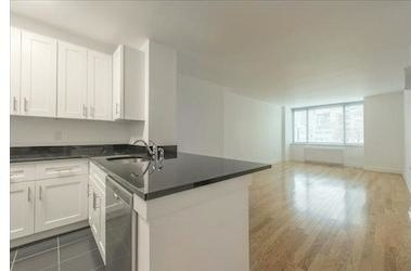 Studio, Lincoln Square Rental in NYC for $2,796 - Photo 2