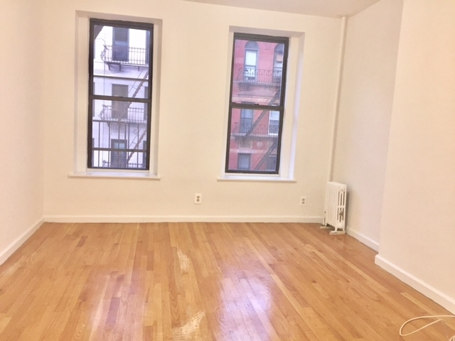 2BR at 83rd off York - Photo 1