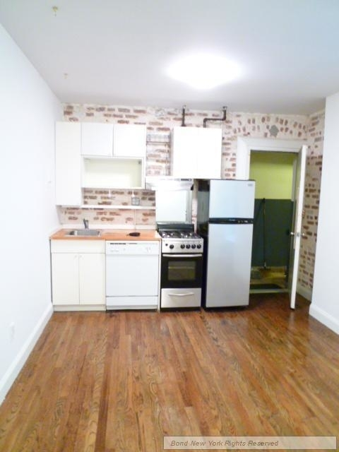 2 Bedrooms, Bowery Rental in NYC for $3,280 - Photo 2