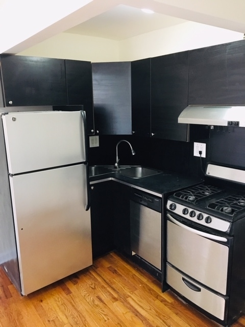 1 Bedroom, Alphabet City Rental in NYC for $2,600 - Photo 2