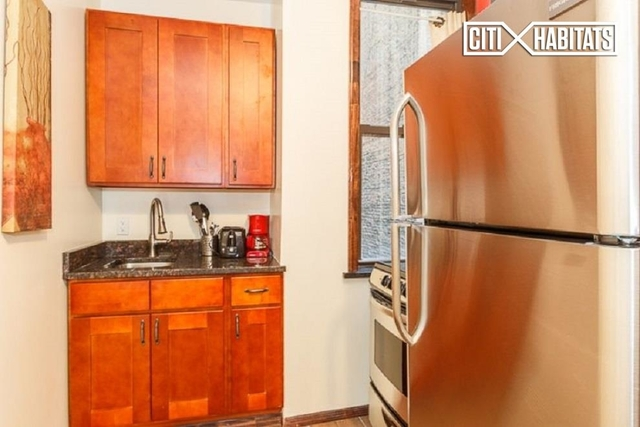 1 Bedroom, Chelsea Rental in NYC for $2,495 - Photo 2