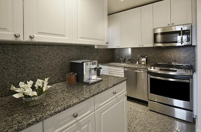 3 Bedrooms, Turtle Bay Rental in NYC for $4,487 - Photo 2